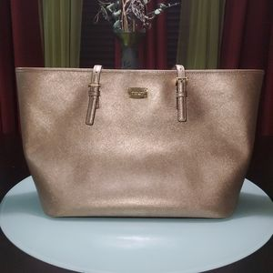 MICHAEL KORS CARRY ALL TOTE GOLD